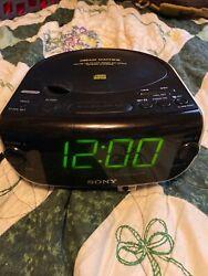 Sony Dream Machine ICF-CD815 AM/FM/CD/aux clock radio w/dual alarms good conditn