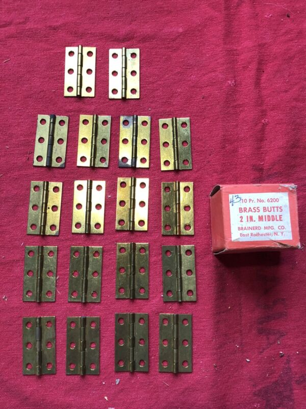 """LOT OF 18 NOS VINTAGE SOLID BRASS BUTT HINGES 2"""" X 1 1/4"""" BRAINERD USA 1930s 40s"""