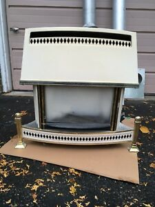 Free standing gas fire place
