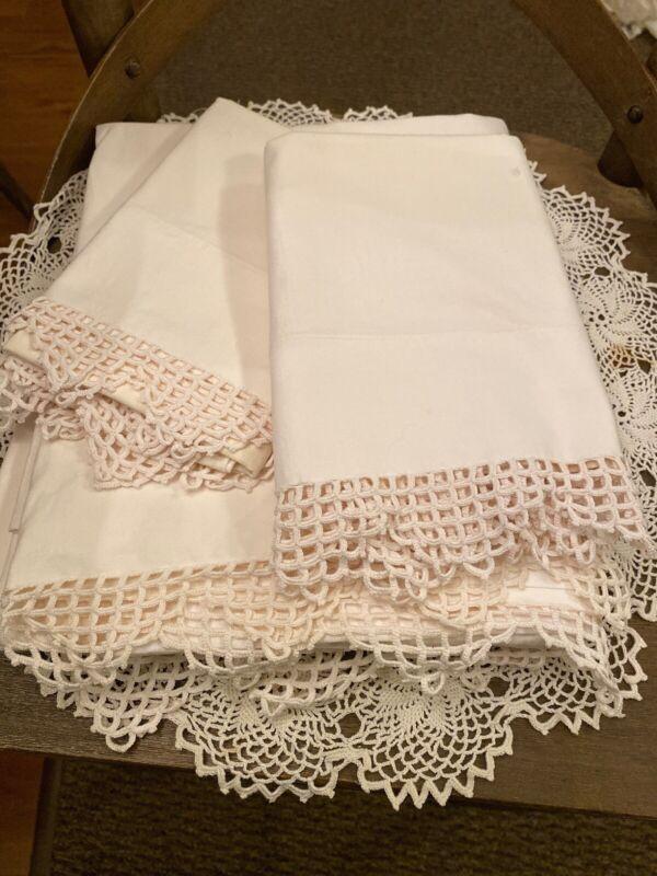 ANTIQUE HOMESPUN SHEET WITH PILLOW CASES Crocheted Edges
