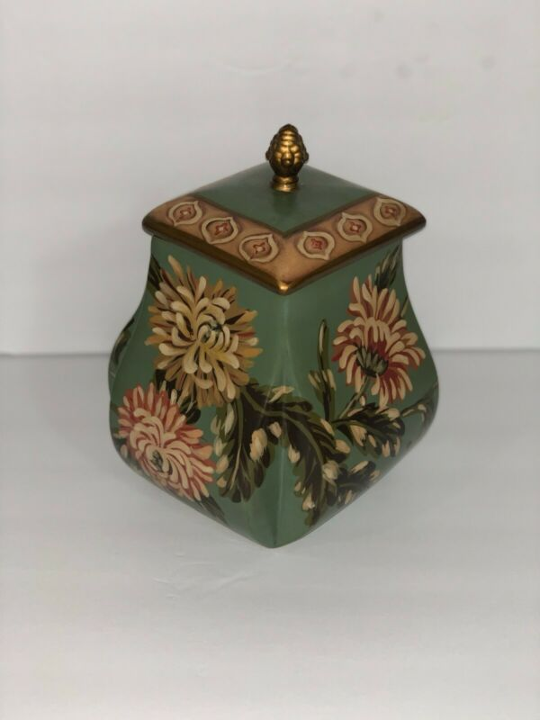 "Decorative Ceramic Vase, 6"" x 9"""