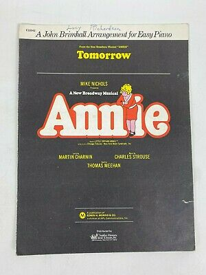 Annie Broadway Singer/'s Edition Vocal Piano Book and CD NEW 000113054