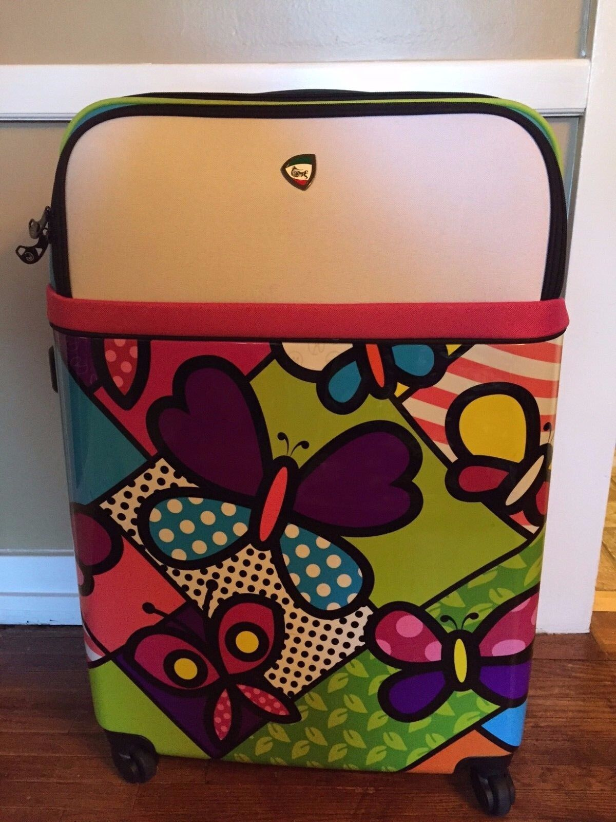 NEW MIA TORO ITALY 28 INCH BUTTERFLY CARRY ON SPINNER HARDSI