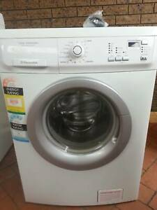 Electrolux 7kg Front Loader EWF1074, in excellent condition