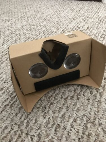 Insignia Virtual Reality Viewer Android or Apple or Google Cardboard - NS-MVRCG1