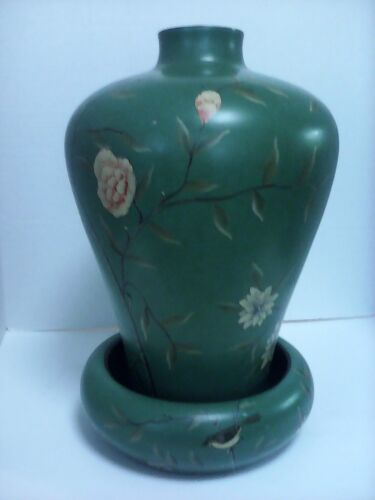 ASIAN VASE (ANTIQUE)