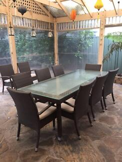 11 PIECE OUTDOOR SETTING