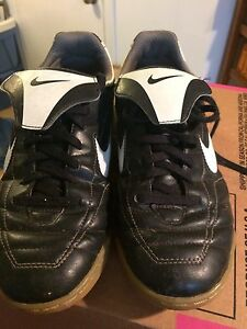 Indoor soccer shoes size 6