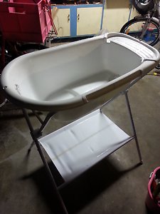 Baby bath with stand Taringa Brisbane South West Preview