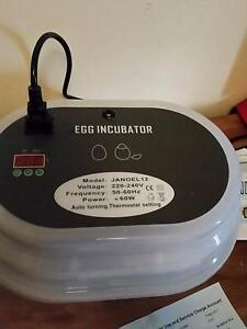 12 Egg Incubator Hamilton Hill Cockburn Area Preview