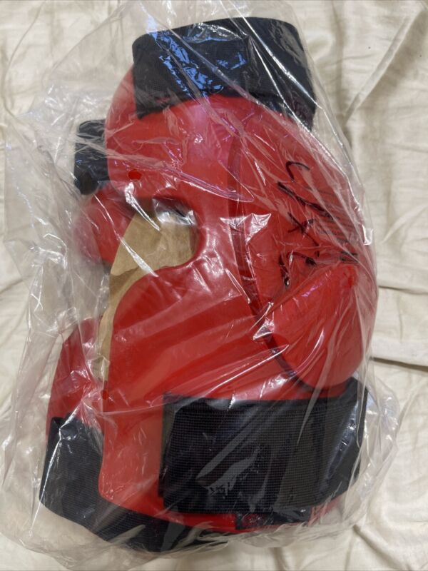 One Set Of RedMan XP Knee Pads Guards Boxing Mma