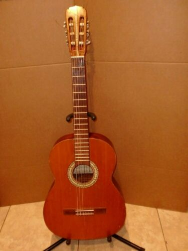 1971 HELMUT BUCHSTEINER CLASSICAL GUITAR GOOD CONDITION...RARE MADE IN GERMANY