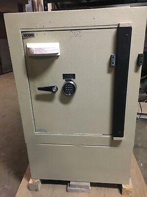 Mosler Tl-30 High Security 2 Hr Fire Safe Tool Resistant Wshelves Very Clean Hd