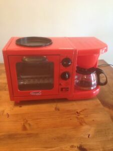 Toaster oven/coffee maker/griddle