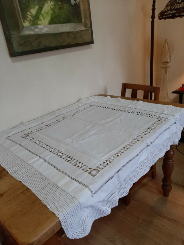 Beautiful Antique / Vintage Handmade Lace Edged Tablecloth Excellent Condition