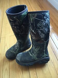 Muck Boots | Kijiji: Free Classifieds in Ontario. Find a job, buy ...