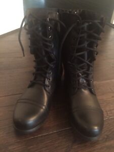 Brand new Steve maddens troopa combat boots