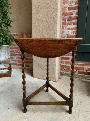 Antique English Oak BARLEY TWIST Envelope Handkerchief Drop Leaf  Corner Table