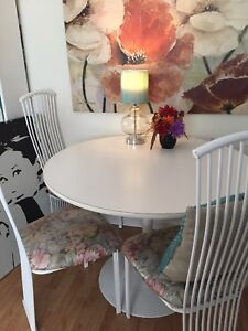 Table de cuisine  IKEA 42 ''