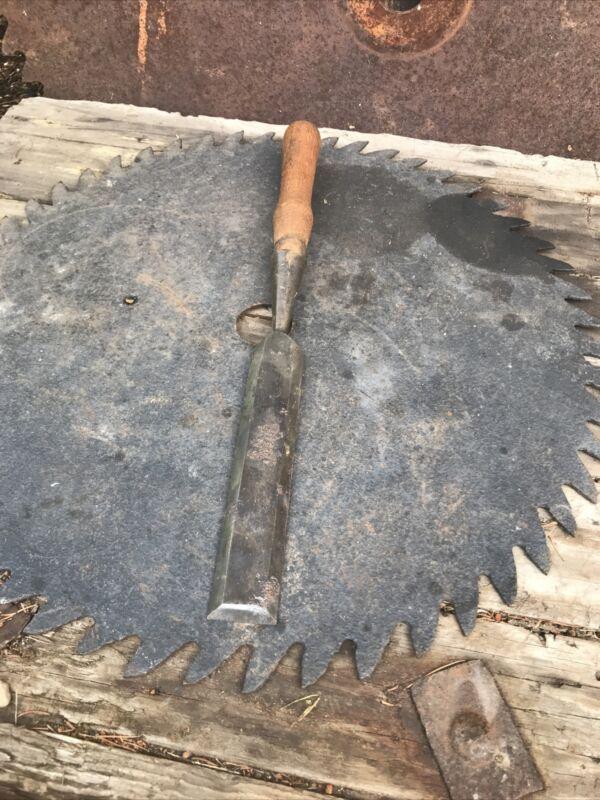 "Vintage Clearcut  1 1/4"" Beveled Edge Socket Chisel Woodworking Carpentry Tool"