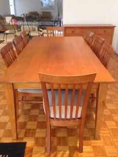 Dining table and 8 chairs Black Rock Bayside Area Preview