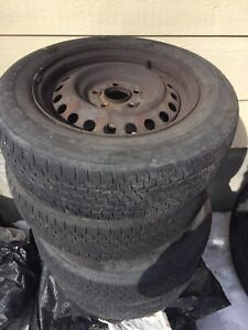 Pneu firestone 195/65r 15 + rims 5bolts 200$
