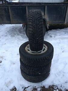 Tres bon pneu hiver cloutés 185/65r14