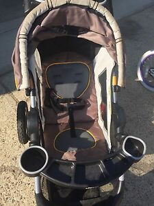 3 wheeled Jeep jogging stroller