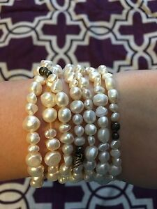 Set of 7 pearl bracelets