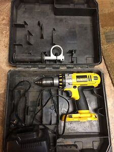Dewalt DC920 drill with charger