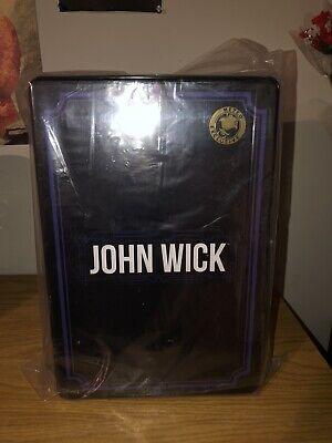 Mezco One:12 John Wick Chapter 2 Deluxe Edition Exclusive NEW Free Shipping!!!