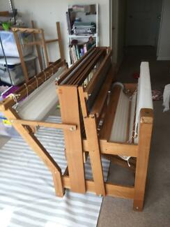 weaving loom, 4 shaft floor loom