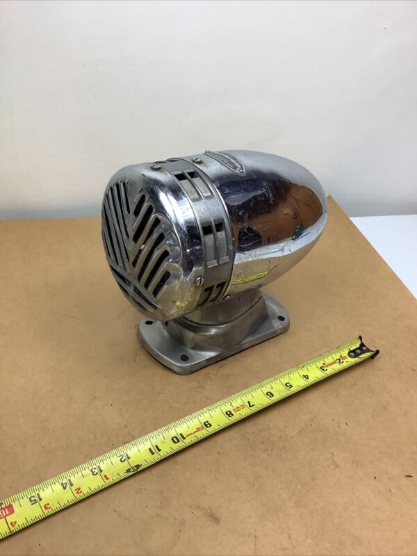 Vintage Federal Sign & Signal Siren Model WG 12 Volt Tested Working Nice.