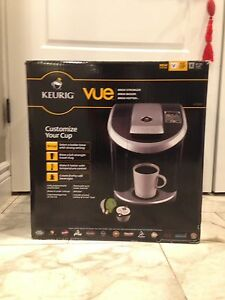 Great condition keurig vue v700 coffee maker with free balas