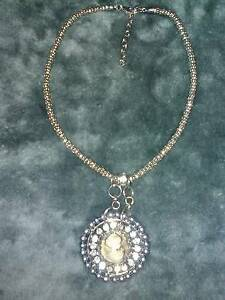 EUROPEAN NECKLACE - CAMEO FEATURE Doncaster Manningham Area Preview