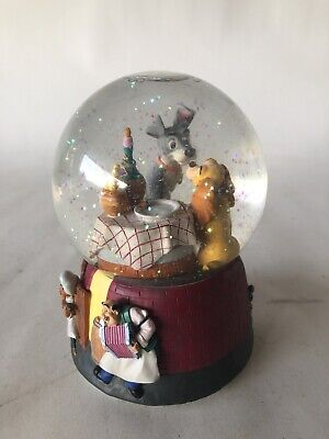 Disney Enesco Lady and the Tramp - Musical Snow Globe Plays Bella Notte