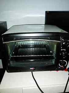 Portable Electric plug in oven $30 Kings Cross Inner Sydney Preview
