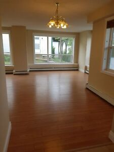 BEDFORD'S BEST LUXURIOUS 2 BEDROOM APARTMENT MARCH  1ST