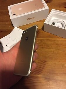 Iphone 7 32gig gold bonne condition apple care
