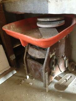 Pottery wheel and moulds Pine Mountain Ipswich City Preview