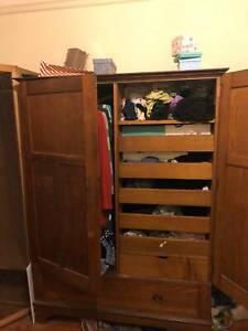 Small oak wardrobe. 1.7m x 1.3m.