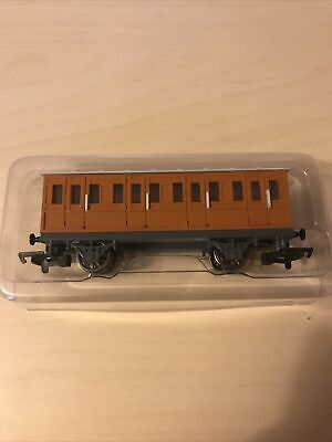 Custom Bachmann HO OO Thomas & Friends Orange Coach Annie NO NAME SIDES Hornby