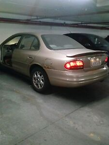 2002 Oldsmobile Intrigue -Priced the sell!