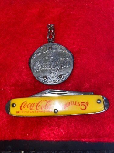 Vintage Coca Cola Round Pocket 2 Blades Button + in bottles 5 Cents Coke.  Knife
