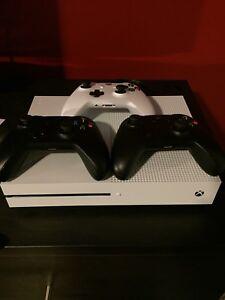 Xbox one S 500go+ 3 manettes