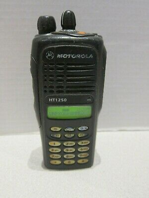 Motorola Ht1250 Uhf 128 Two Way Portable Radio With Keypad Aah25rdh9aa6an