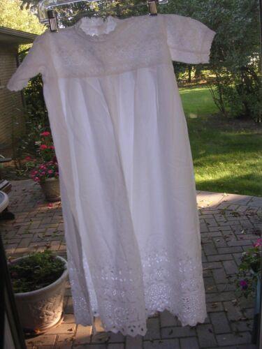 VINTAGE LOVELY INFANT CHRISTENING GOWN / DRESS WHITE COTTON EYELET