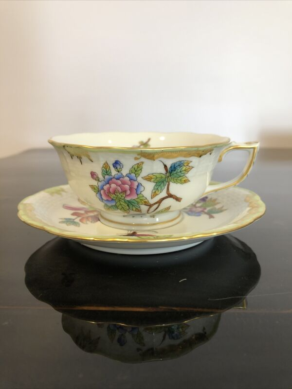 HEREND Queen Victoria Green Gold Border TEA CUP and SAUCER 734/VBO Set
