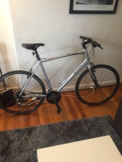 Road bike specialized XL Elite sirrus Elwood Port Phillip Preview