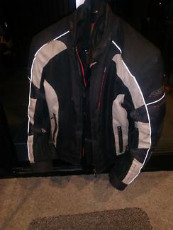 Motorcycle//riding on road jacket&pant set..